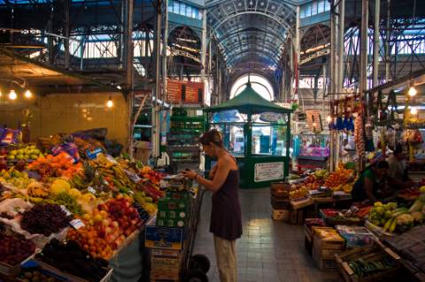 Mercado de San Telmo em Buenos Aires (Photo by Phillip Capper CC)
